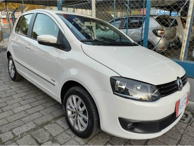Volkswagen Fox 1.6 8V PRIME FLEX 2013